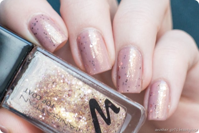 Nails Silvester Sparkling Nude Signature Nude Manhattan Swatch-2
