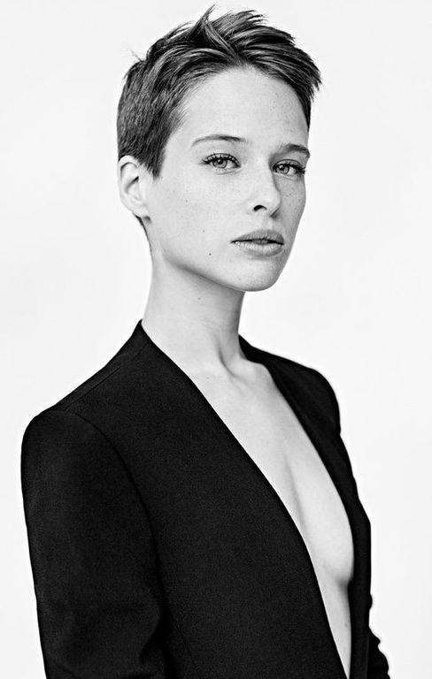 best short hairstyles 2018-2019 For Women's In Summer Season 3