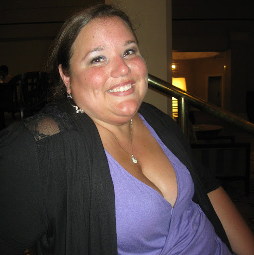Becky White Photo 31