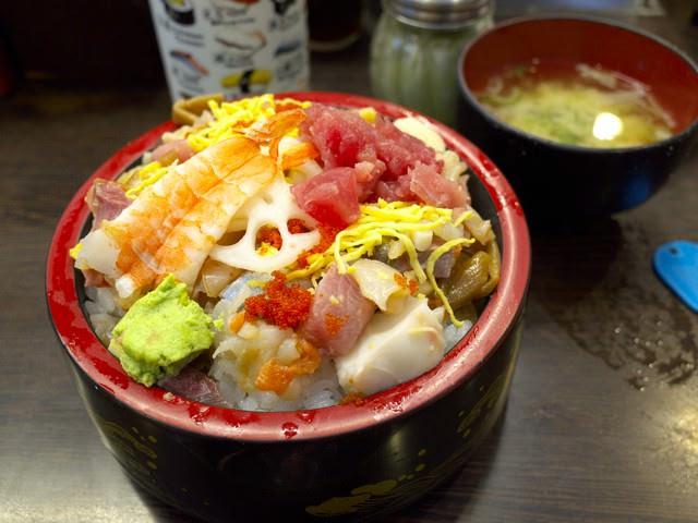 バラチラシ寿司&味噌汁セット