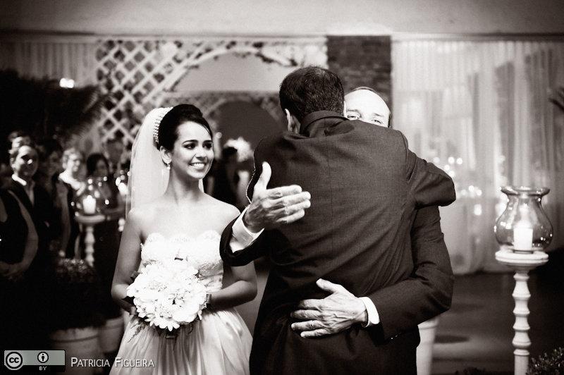 Foto de casamento 0880pb de Nathalia e Fernando. Marcações: 04/12/2010, Casamento Nathalia e Fernando, Niteroi.