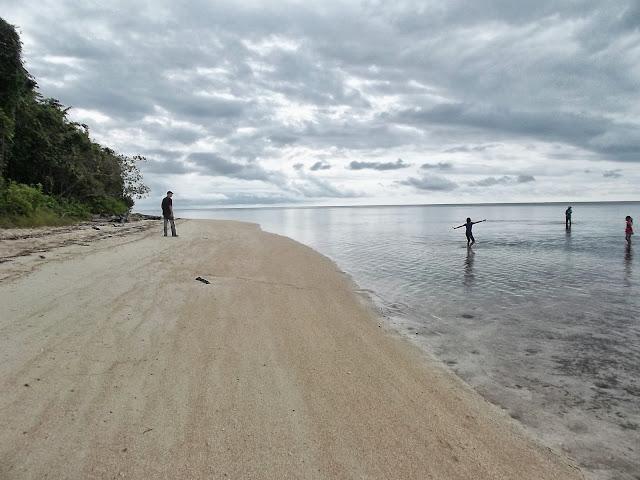 La Mer des Moluques depuis Pulau Obi (Moluques), 14 septembre 2013. Photo : Eko Harwanto