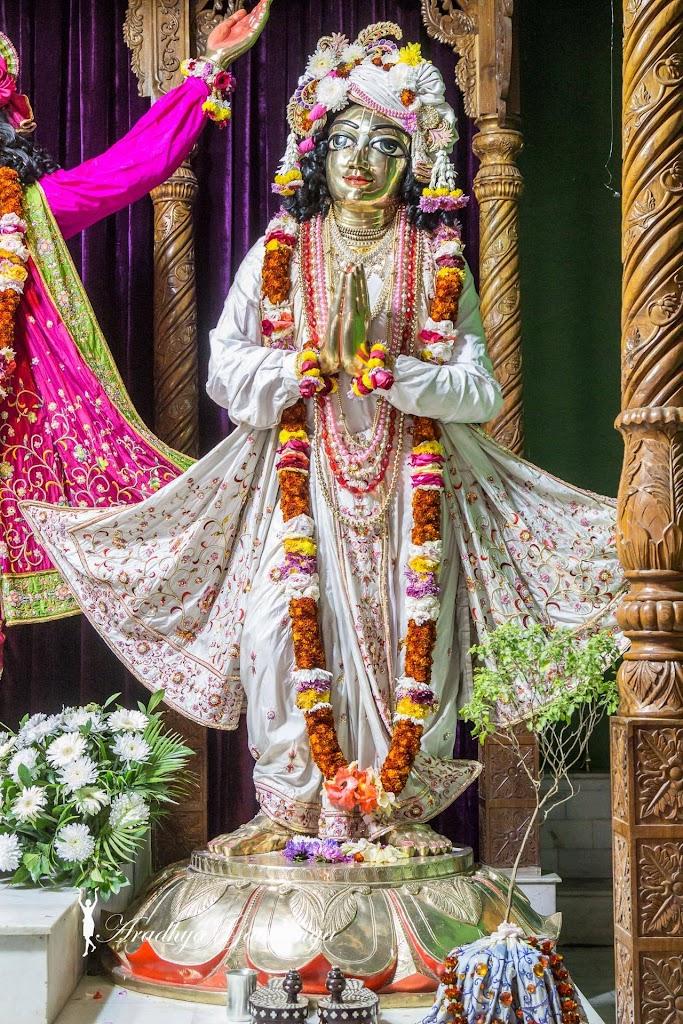 ISKCON Mayapur Deity Darshan 11 Jan 2017 (43)