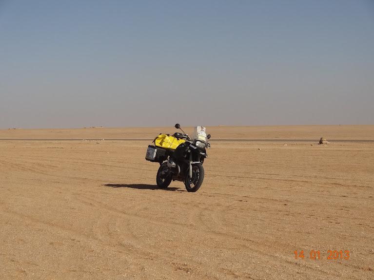 Marrocos e Mauritãnia a Queimar Pneu e Gasolina - Página 5 DSC05843