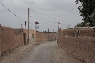 Häuser aus Lehm und Stroh in einem Dorf am Aras Sees
