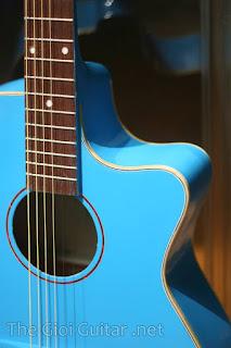 dan guitar mau xanh