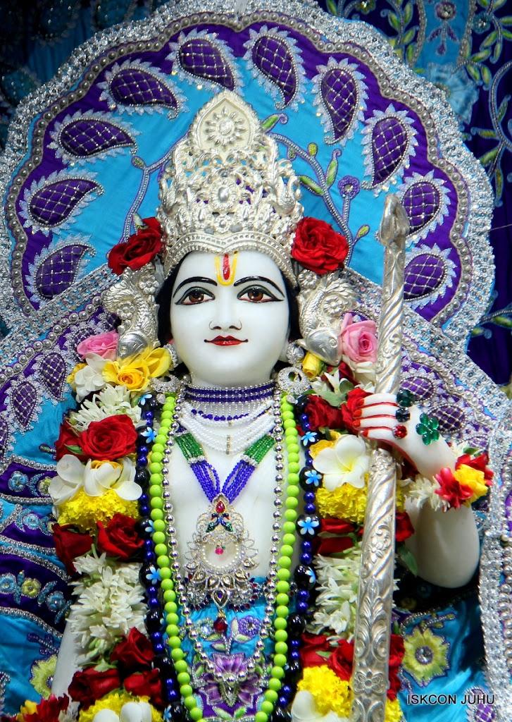 ISKCON Juhu Sringar Deity Darshan on 7th July 2016 (36)
