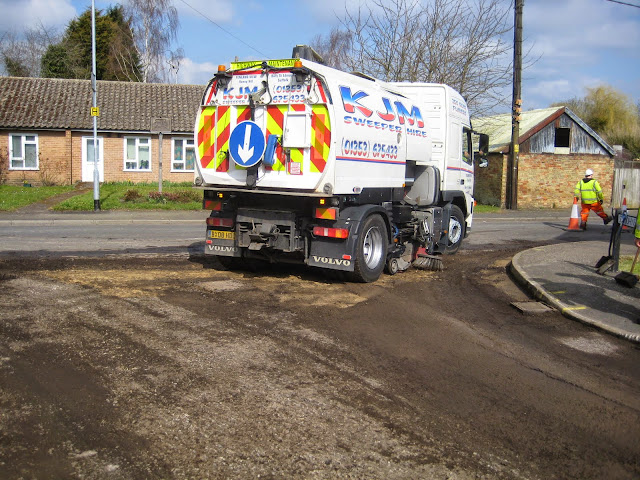 St Johns Close Resurfacing 23-03-2015. Pictures by Chris Cannon - IMG_1081.JPG
