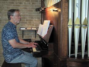 Photo: Aan het orgel: Cees Hanegraaff