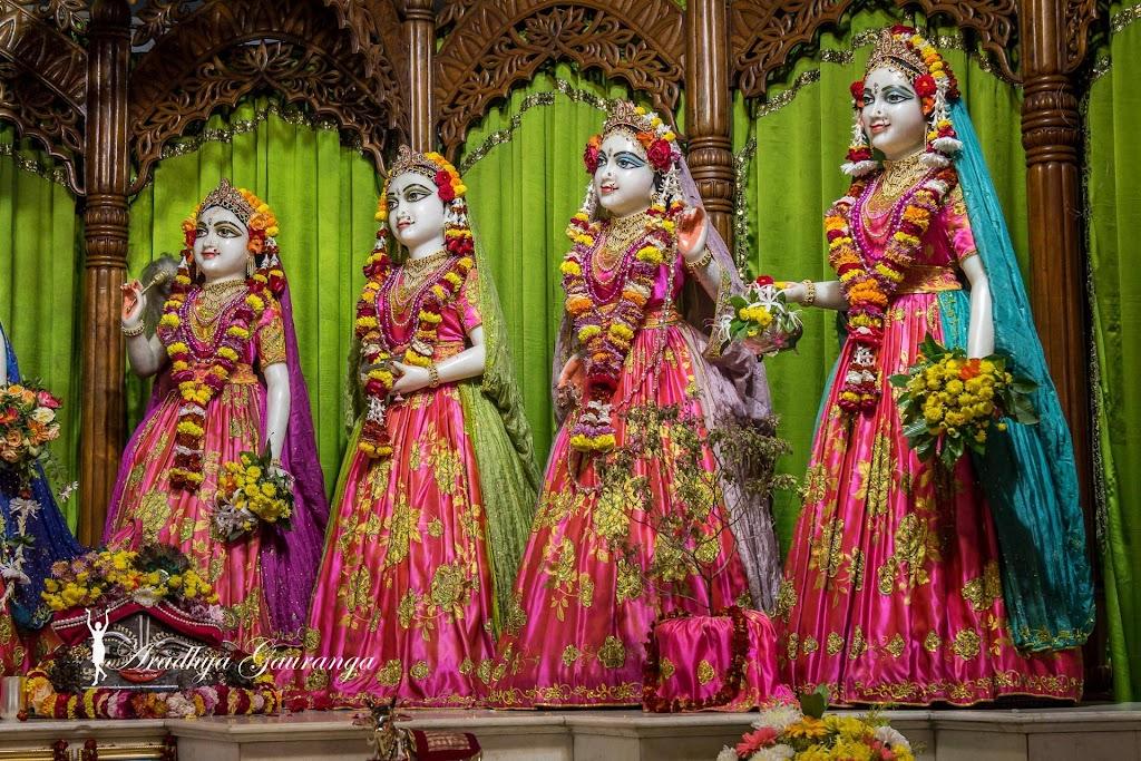 ISKCON Mayapur Deity Darshan 20 Jan 2017 (14)