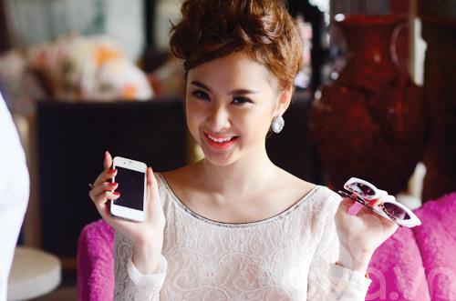 Tủ đồ sắc đẹp trong túi Angela Phương Trinh - 12