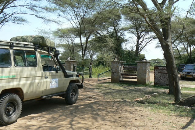 Serengeti National Park - tour truck