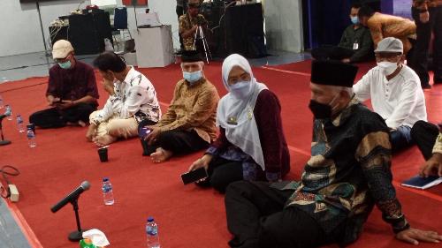 Gubernur Mahyeldi Harapkan Seniman dan Budayawan Bisa Mengangkat Sejarah Sumbar