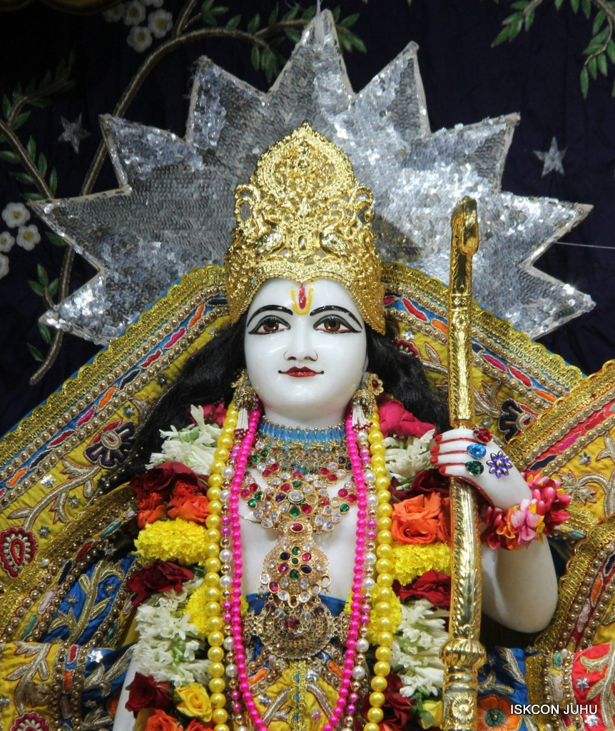 ISKCON Juhu Sringar Deity Darshan 22 Nov 2016 (36)
