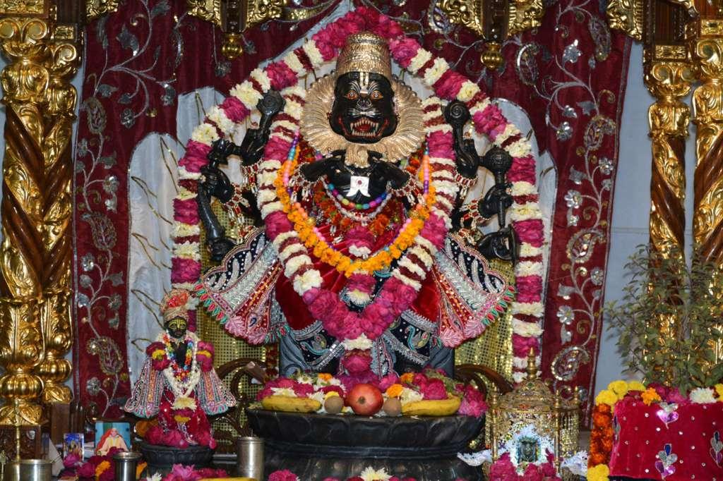 ISKCON Ujjain Deity Darshan 22 Dec 2015 (14)