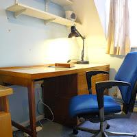 Room Z-desk