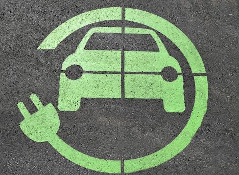 ما أنواع السيارات الكهربائية الموجودة؟