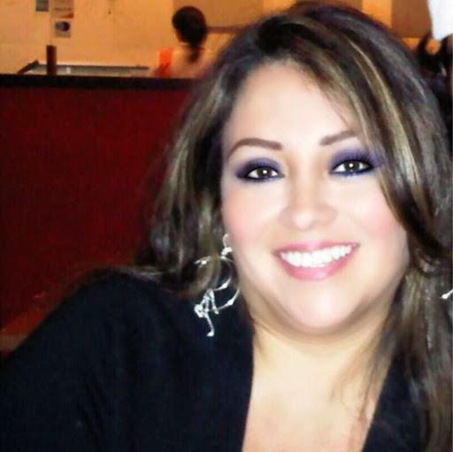 Ivette Flores Photo 15