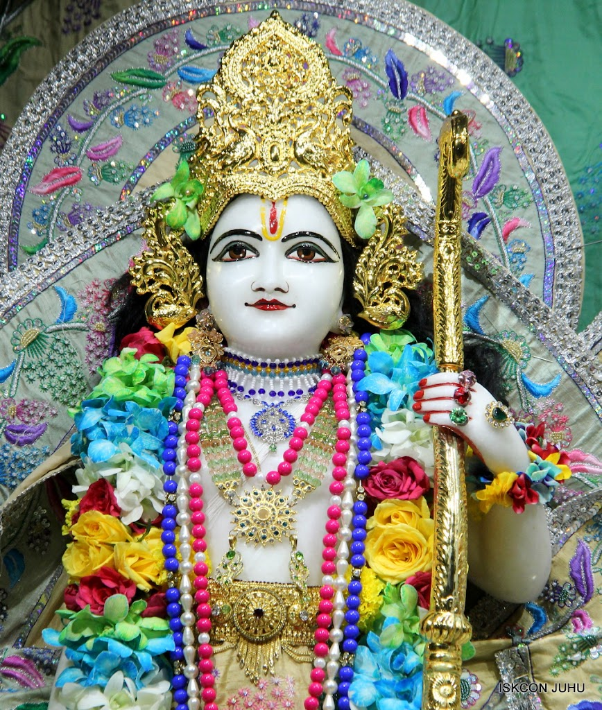 ISKCON Juhu Sringar Deity Darshan on 26th Aug 2016 (58)