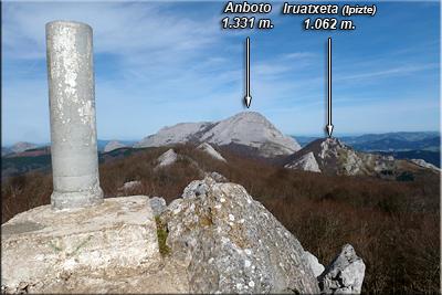 Anboto visto desde la cima de Oriol