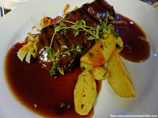 plato-carne-restaurante-medieval-tallin.JPG