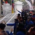 Demo Lanjutan Penolakan UU Omnibus Law, Mahasiswa Jebol Gerbang Kantor DPRD Karawang