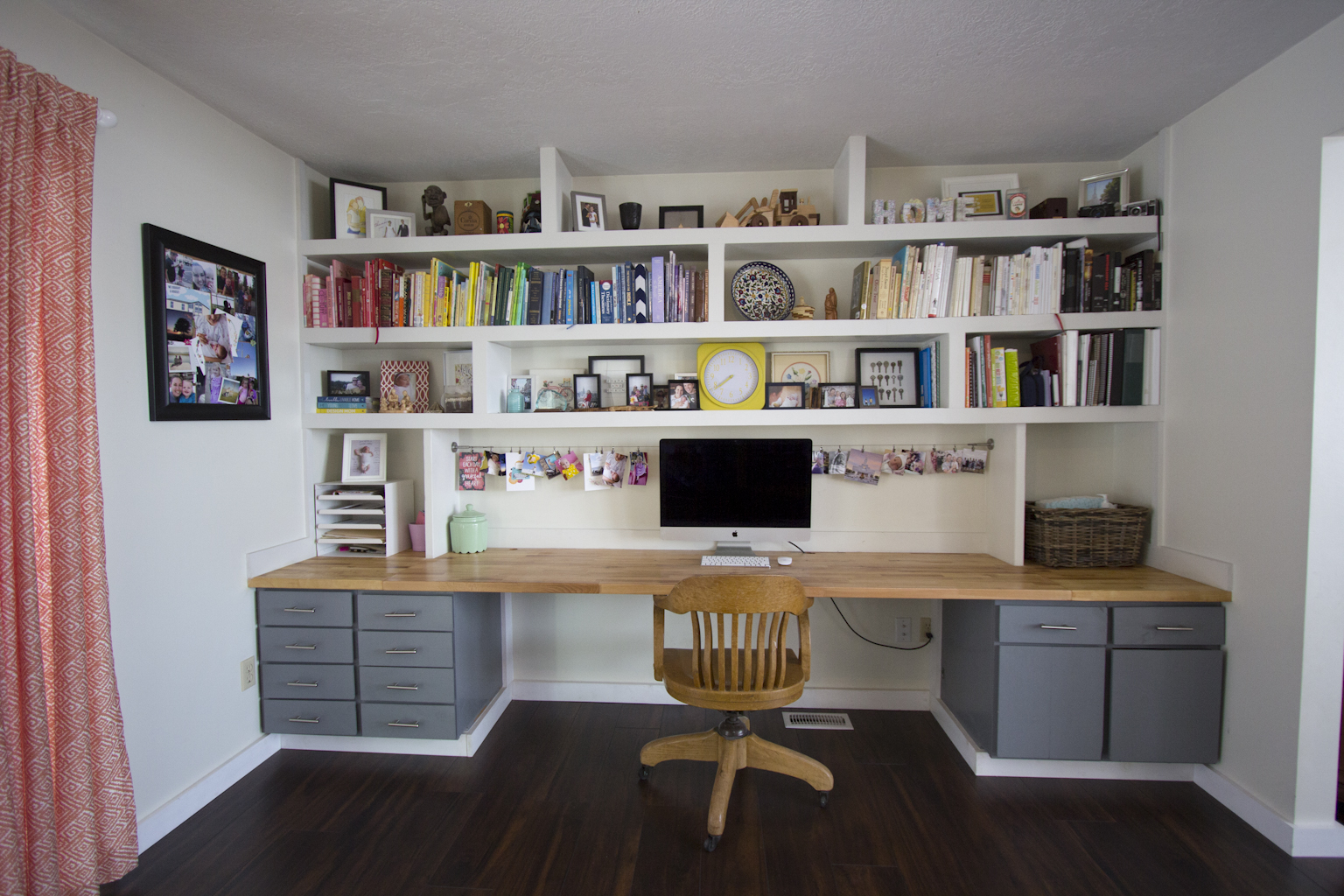 Lovely Built-In Desk | Corina's Corner PG98