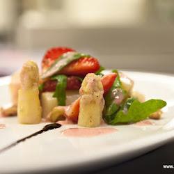 Spargelsalat mit Erdbeeren 29.04.16-5805.jpg