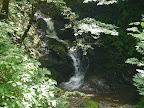 山道途中にある小さい滝(雨乞いの滝)@@@512@@@385