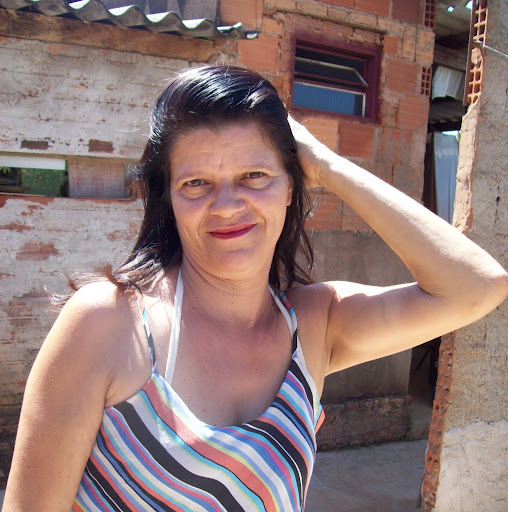 Divina Silva Photo 14