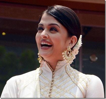 Aishwarya Rai desi look
