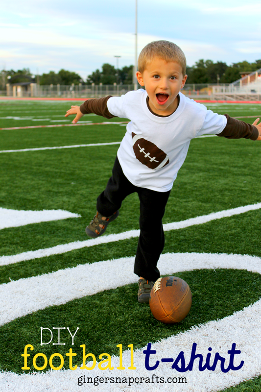 DIY Football T-shirt at GingerSnapCrafts.com #SilhouettePortrait #tutorial #football