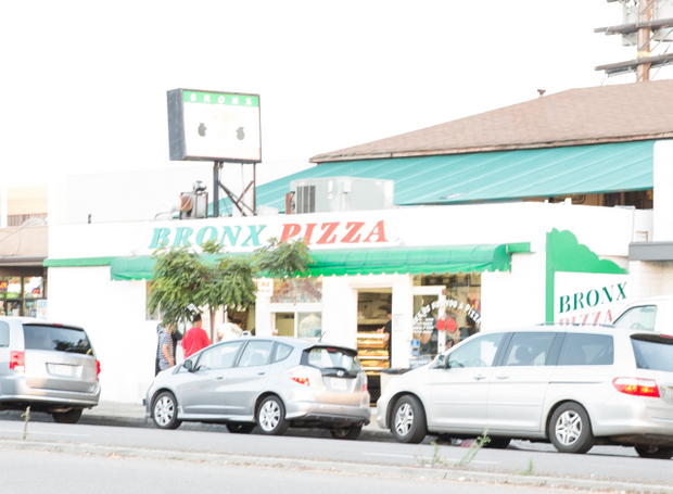 photo of the outside of Bronx Pizza