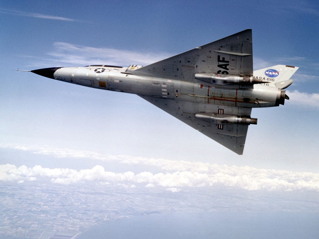 [Three-engined+F-106B-4%5B2%5D]