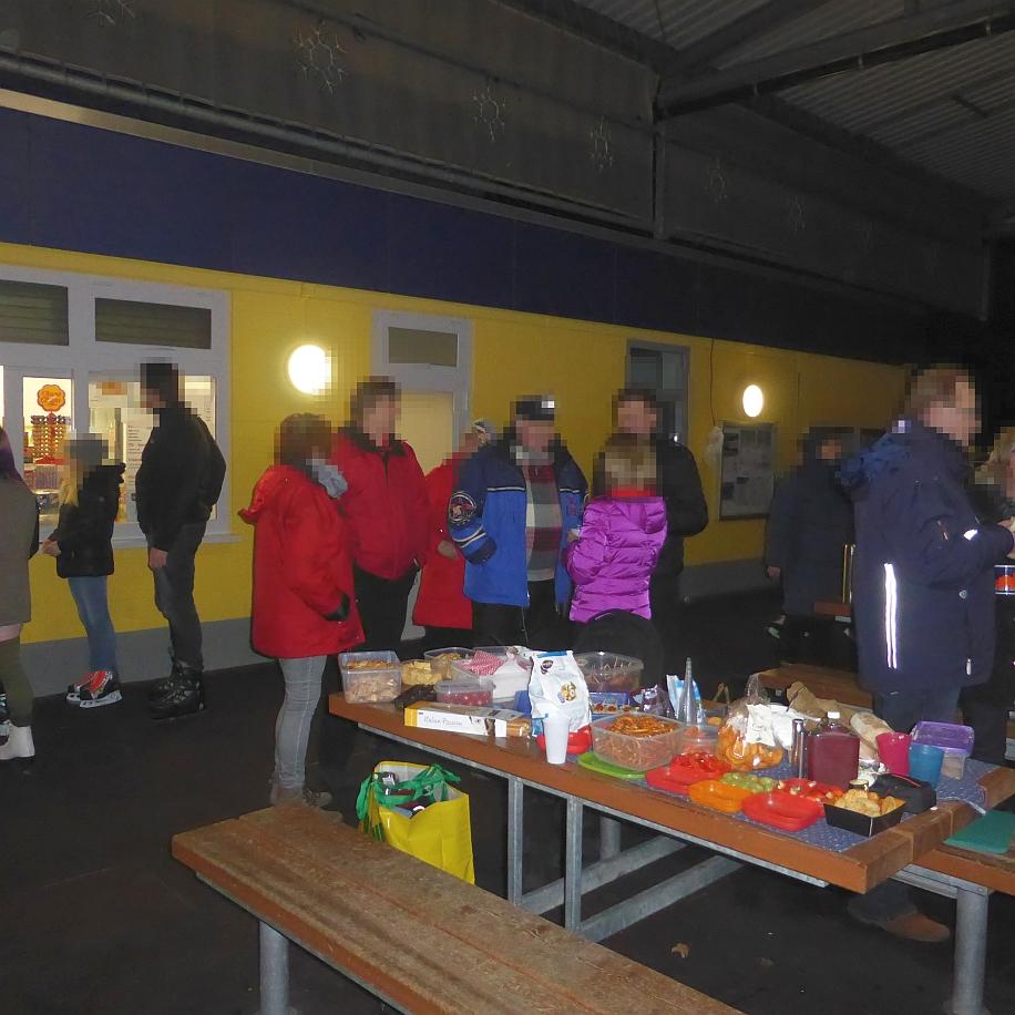 Picknick Oetker Eisbahn Bielefeld 29.01 (37).JPG