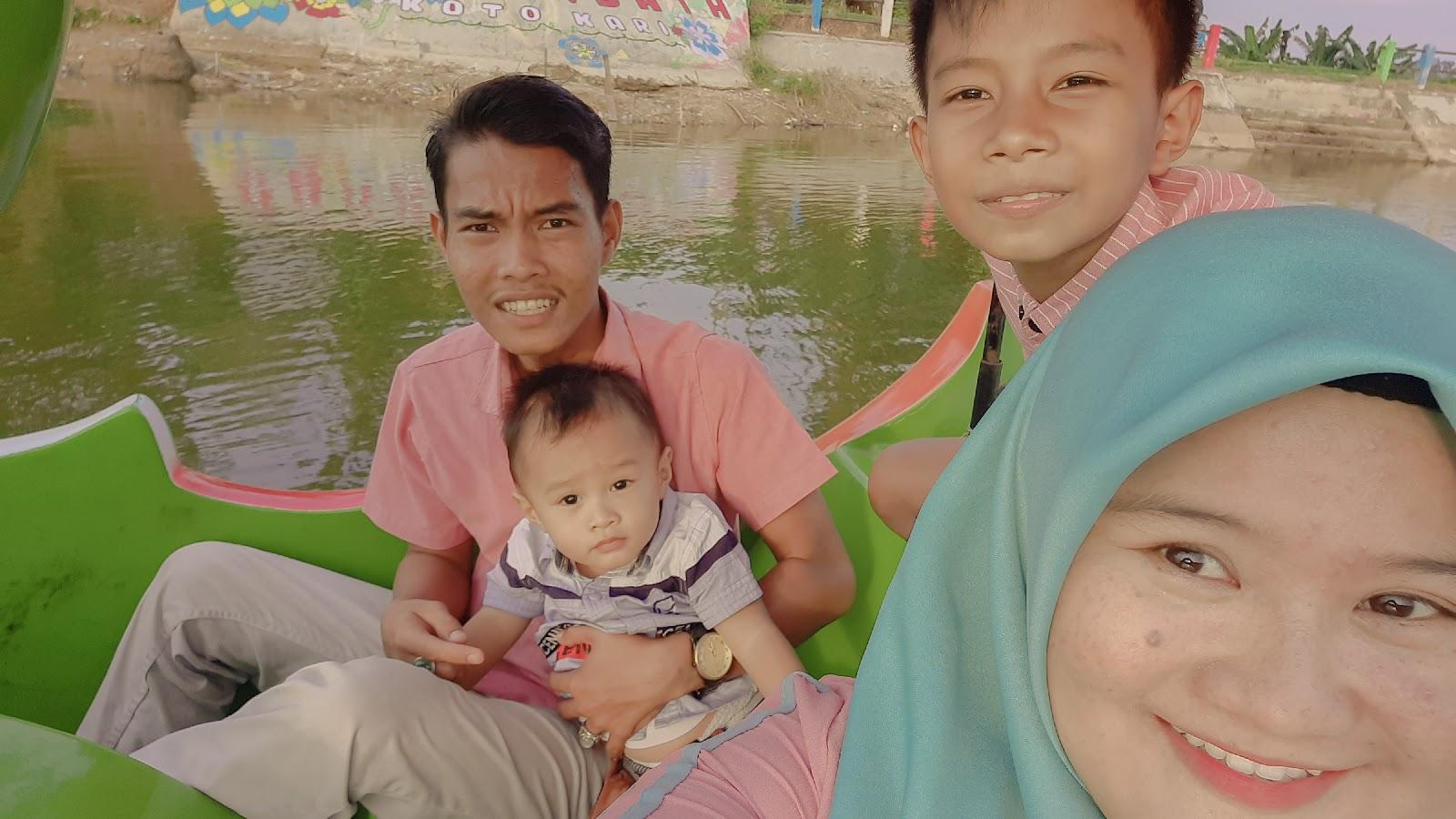 Wisata Danau Koto Kari, Gowes Bebek di Danau Desa Wisata