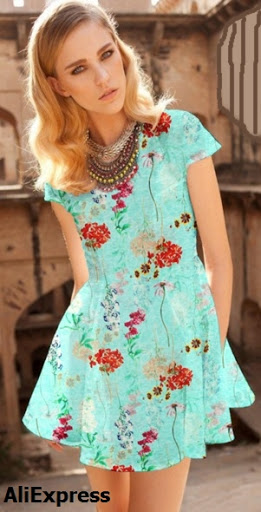 Vestido corto, falda media rotonda en lino seda estampado floral