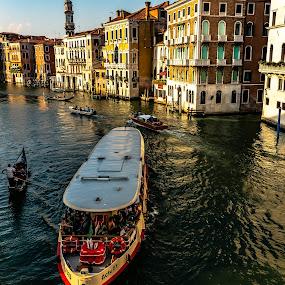 Canals and boat taxi, Venice by Hariharan Venkatakrishnan - City,  Street & Park  Historic Districts