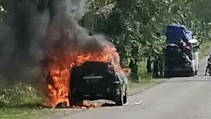 Mobil H Kosa Terbakar di Tanasitolo