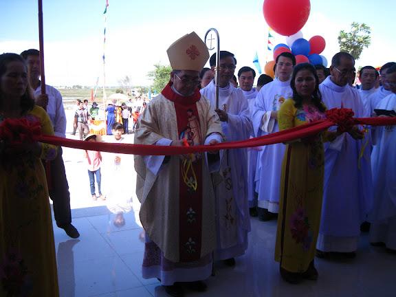 Hình ảnh thánh lễ tạ ơn và khánh thành nhà thờ Ninh Căn