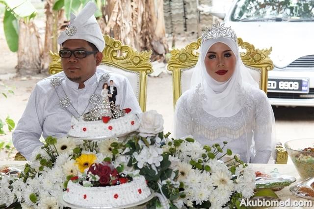 makan beradap pengantin lelaki dan perempuan