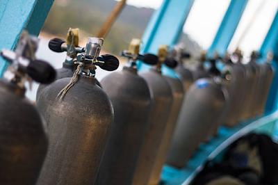ऑक्सीजन कॉन्सेंट्रेटर और ऑक्सीजन सिलिंडर में क्या अंतर है