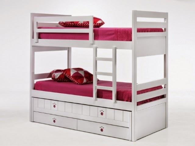 litera con 3 camasla cama de abajo va con ruedas y queda alta a modo de compacto y abajo dispones de dos cajonesideal para cuando tenemos que abrir a - Literas Para Tres