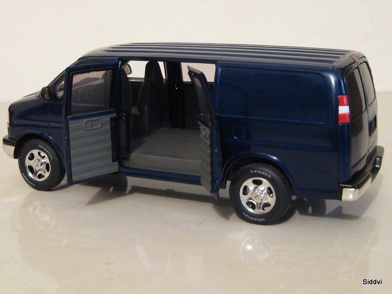 auto diecast scale models chevy cargo express auto diecast models. Black Bedroom Furniture Sets. Home Design Ideas