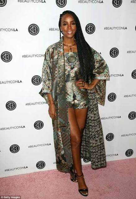 Kelly Rowland Rocks Pantsuit And Kimono For Event
