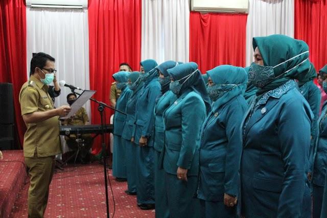 Bupati Abdul Hadi Lantik 24 Pengurus TP PKK Balangan