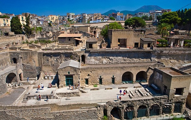 More Stuff: Herculaneum closed to tourists, staff shortage blamed