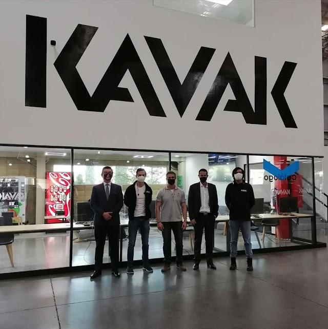 Alumnos de la UAG conocen la historia   de Kavak, ejemplo para nuevos emprendedores