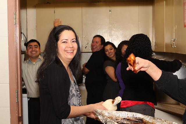 OLOS Navidad 2010 con Amigos Migrantes - IMG_9821.JPG