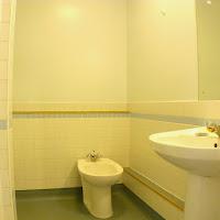 Room 18-bathroom3